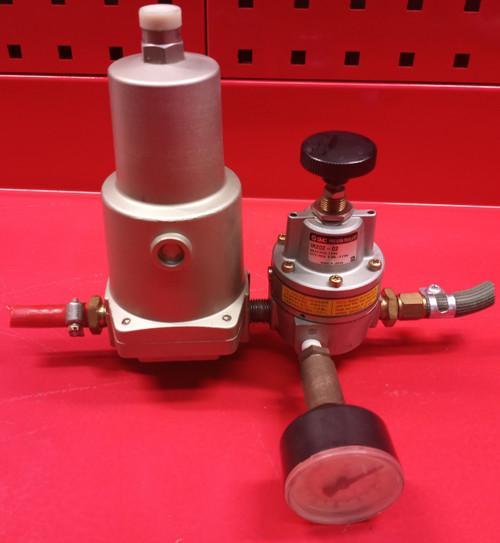 SMC Mist Separator AM250-02B W/ SMC Precision Regulator IR202-02