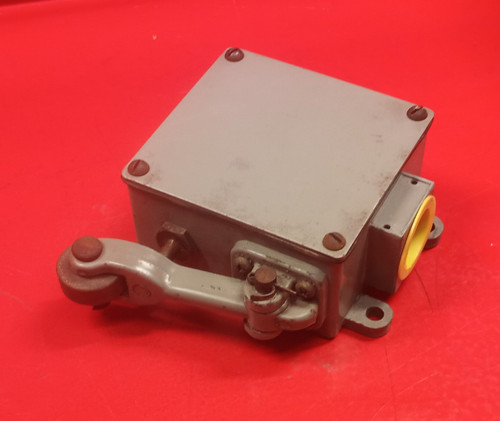 REES 03810-200 Machine Limit Switch