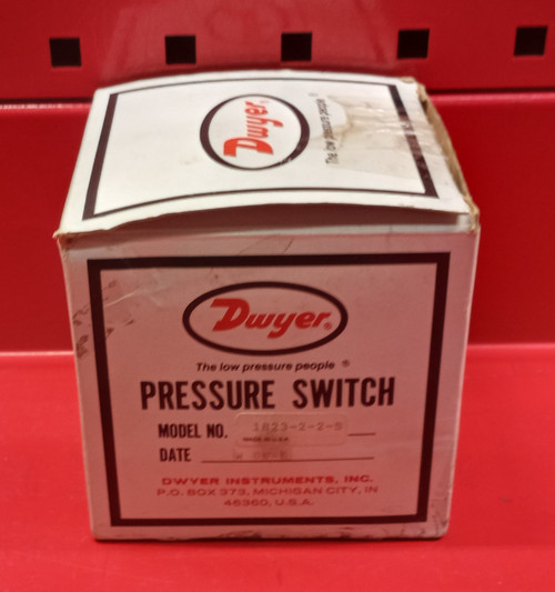 Dwyer 1823-2-2-S Pressure Switch