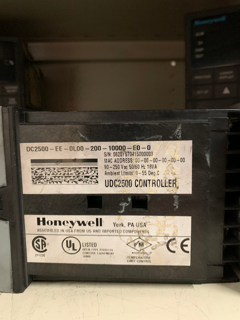 HONEYWELL (DC2500-EE-0L00-200-10000-E0-0) UDC2500 TEMPERATURE LIMIT CONTROLLER