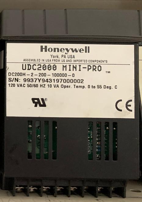 Honeywell UDC2000 Mini-Pro Temperature Controller (DC-200H-2-200-100000-0)