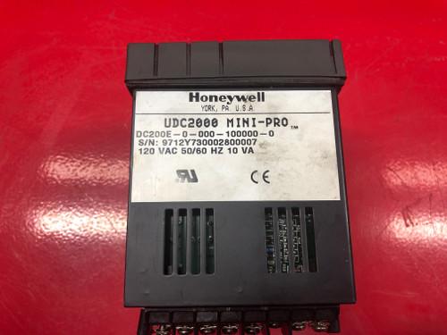 Honeywell UDC 2000 Controller (DC200E-0-000-100000-0)