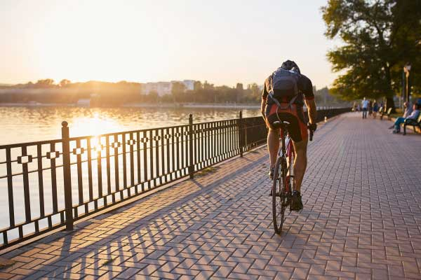 There are so many benefits to jumping on a bike more often. Decreased stress, improved cardiovascular fitness and reduced vehicle costs, just to name a few!