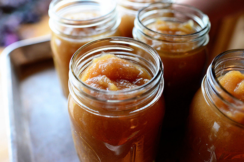 The Easiest Homemade Applesauce