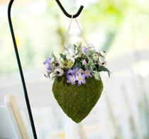 Moss Hanging Open Heart Basket