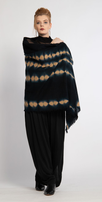 9. CASHMERE SHAWL: Stripe Dots