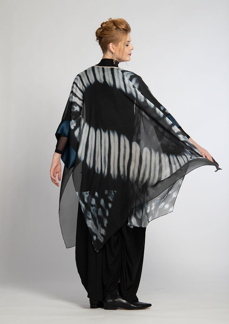 WHISPERING TEXTILES KIMONO: Oval for Courage