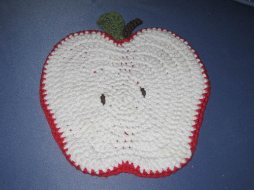 Apple Shaped Potholder in Red and White by Mumsie of Stratford.