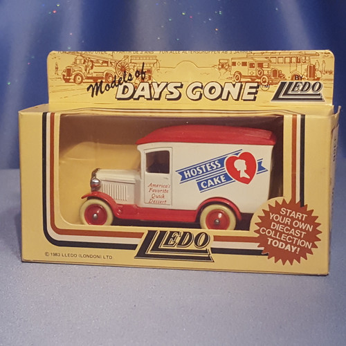 1930's Hostess Cake Delivery Truck - Models of Days Gone by Lledo.