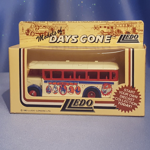 1930's Single Deck Bus - Big Top Circus - Models of Days Gone by Lledo.