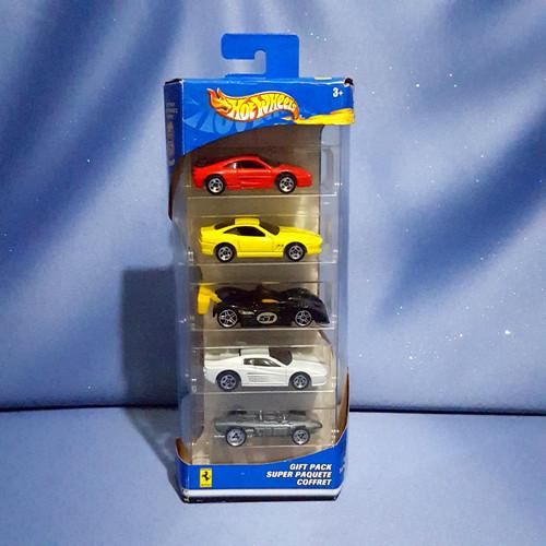 Hot Wheels Ferrari 5-Car Gift Pack 35th Anniversary by Mattel.