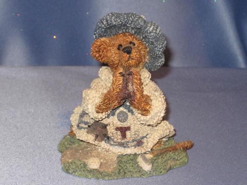 Sebastian's Prayer Golfer Bear Figurine by Boyds Bears and Friends.