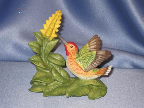 Allen's Hummingbird with Aphelandra by Bronson Collectibles.