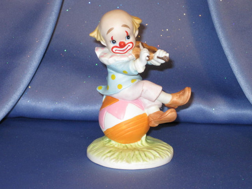 Clown Playing his Violin Figurine by Lefton.