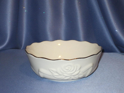Rose Blossom Bowl with 24K Trim by Lenox (Medium Size).