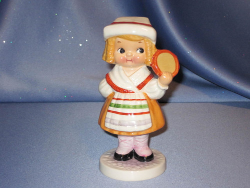 Dolly Dingle in Italy Figurine by Goebel.