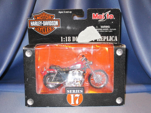 2002 Harley Davidson Motorcycle XL 1200C Die Cast Replica.