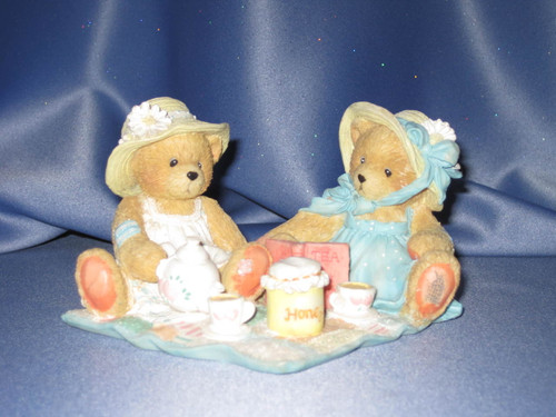 """Cherished Teddies Freda and Tina """"Our Friendship Is A Perfect Blend"""" Figurine W/Comp Box."""