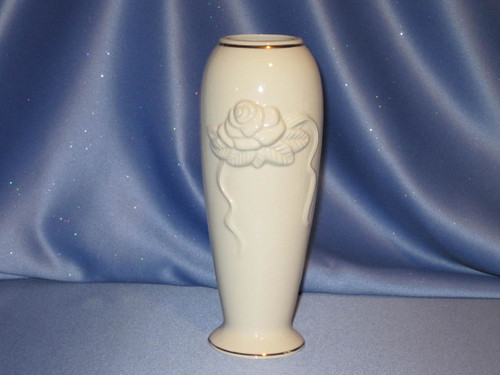 Rose Blossom Vase by Lenox (7.5 in. THA).