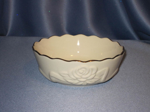 Rose Blossom Bowl with 24K Trim by Lenox (Small).