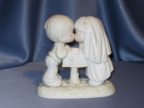 "Precious Moments ""Sealed With a Kiss"" Figurine by Enesco W/Box."