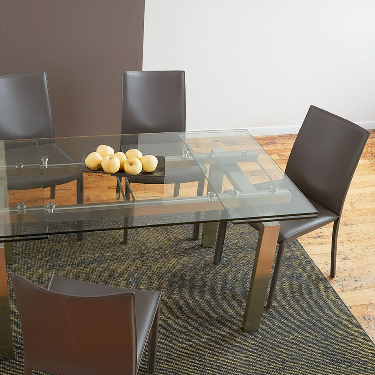 Ordinaire Axel Dining Table