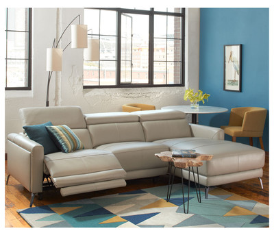 Lucas Motion Sectional