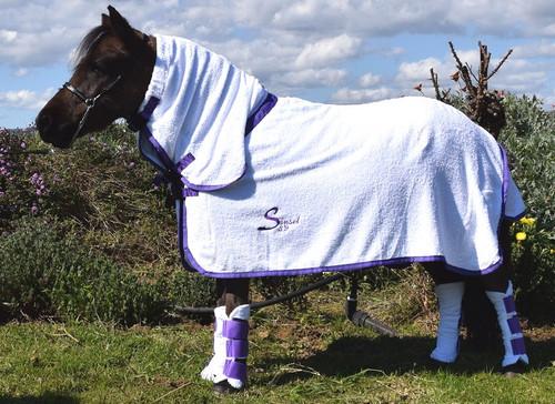 BathWraps Pony-Horse sizes set of 4