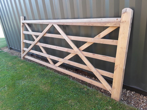 SOFTWOOD TREATED 5 BAR FIELD / FARM / DRIVEWAY GATE