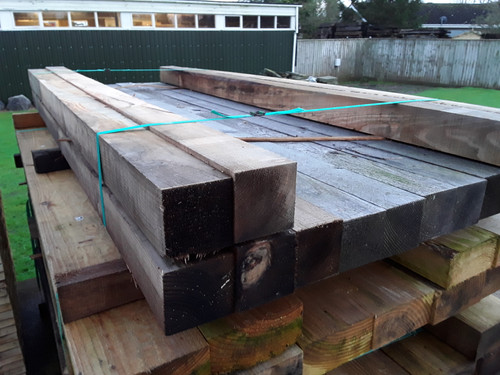 UNTREATED SOFTWOOD SAWN MIXED LARCH / DOUGLAS FIR FENCE POSTS