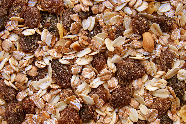 640px-muesli-texture-grainworks-creative-commons-attribution.jpg