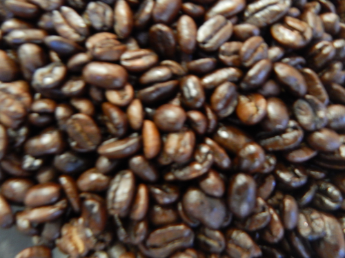 Perhaps the oldest and most distributed blend in history, Moka Java combines vienna roasted Indonesian beans with full city Ethiopian coffee to provide you with an easy to drink medium bodied, low acidity coffee with the perfect mix of dark chocolate and nuts.