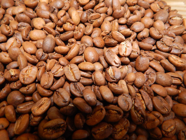Medium bodied - light acidity  This patio dried bean from the Chiapas region gives a smooth cup with a medium body but a significant mouth presence with prevalent undertones of both light and dark chocolate with a slight presence of black pepper that accompanies a sweet finish.  Certified Organic