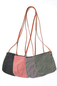 A great casual little stonewashed cotton canvas purse for men & women.