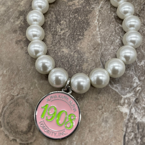 Pearl Bracelet with circle 1908 Charm