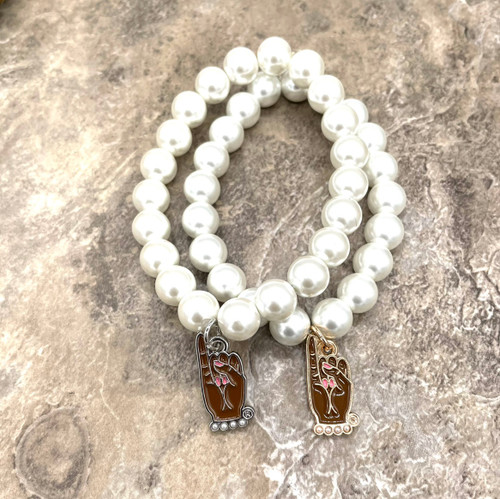 Pearl Bracelet with pinky Charm