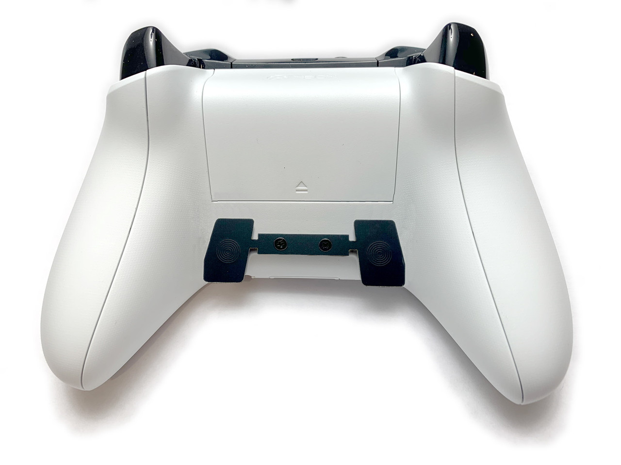 Xbox One controller with 2 button paddle