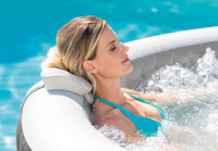 The PureSpa™ provides relaxation at the touch of a button. The easy-to-use control panel activates the high-performing bubble jets surrounding the interior of the spa for a refreshing massage.