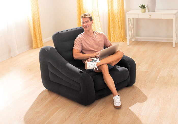 Gentil Pull Out Chair