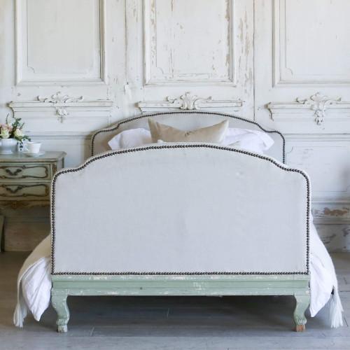 Antique Petite Bed BDV5106
