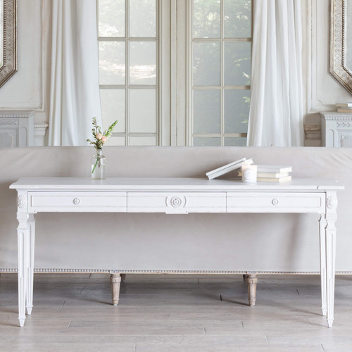 Eloquence® Herra Console in Grain Sack Finish