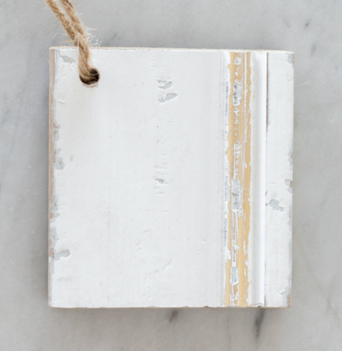 Eloquence® Wood Finish Sample in Antique White with Gold Leaf
