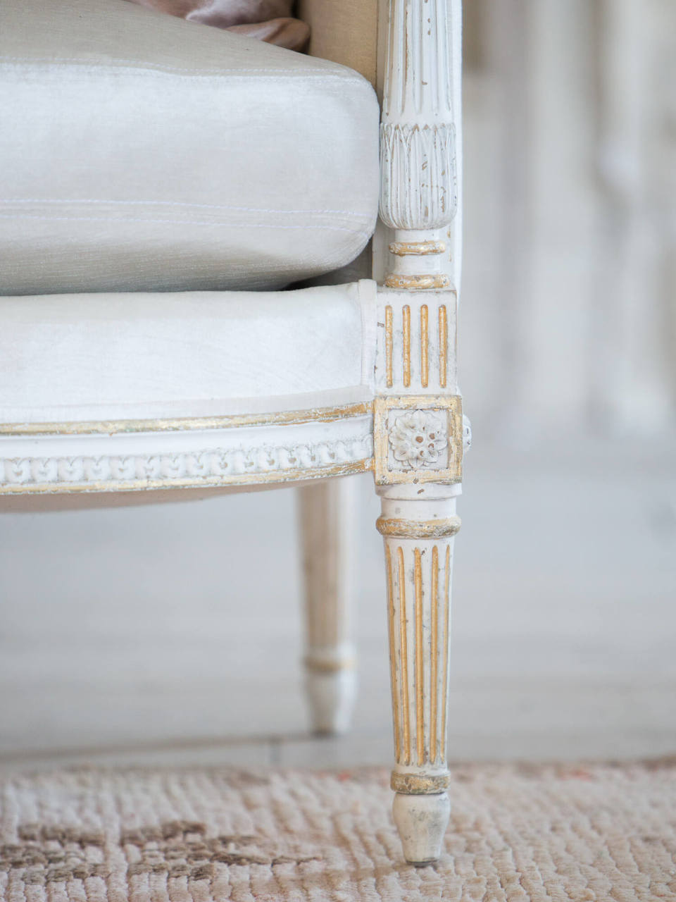 Awesome Eloquence Minerva Sofa In Ivory Velvet And Antique White With Gold Leaf Finish Gmtry Best Dining Table And Chair Ideas Images Gmtryco