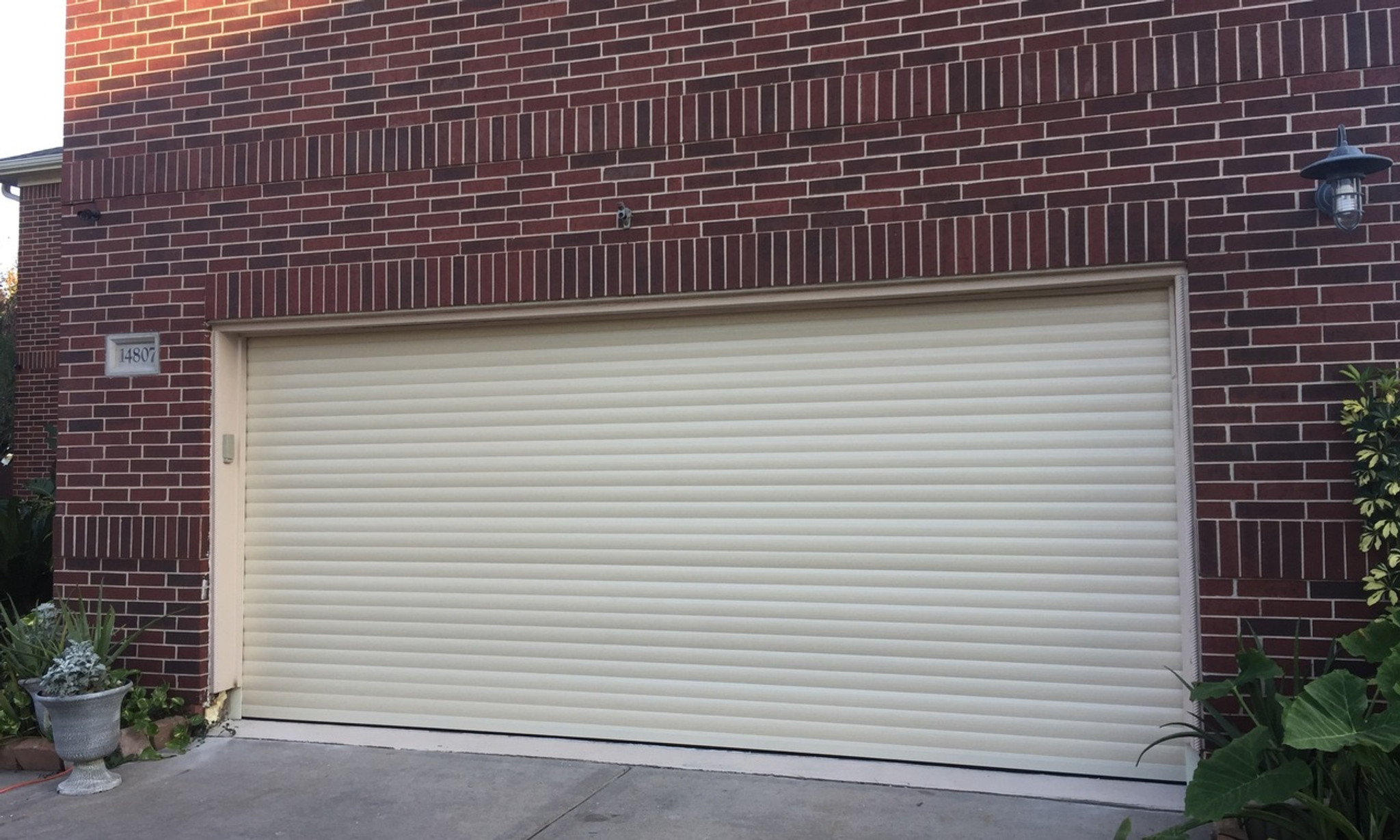 Tubular Motors And Roll Up Garage Doors