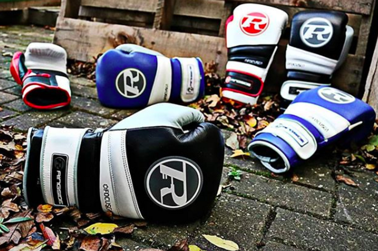 Boxing Glove Professional Sparring Punching Bag Mitts with Boxing Hand Wrap
