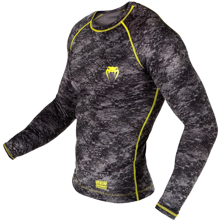 Venum Tramo Long Sleeve Rash Guard