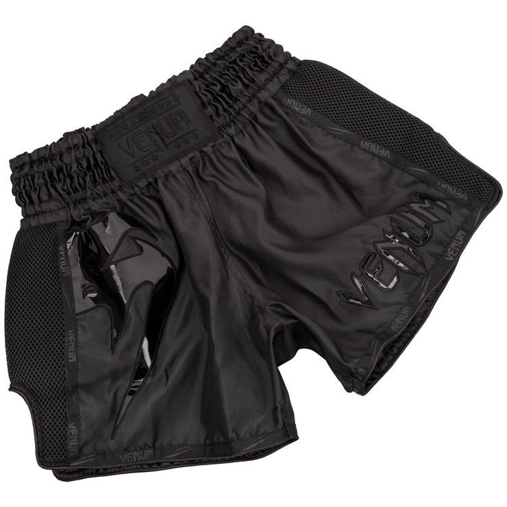 Venum Giant Muay Thai Shorts Black/Black