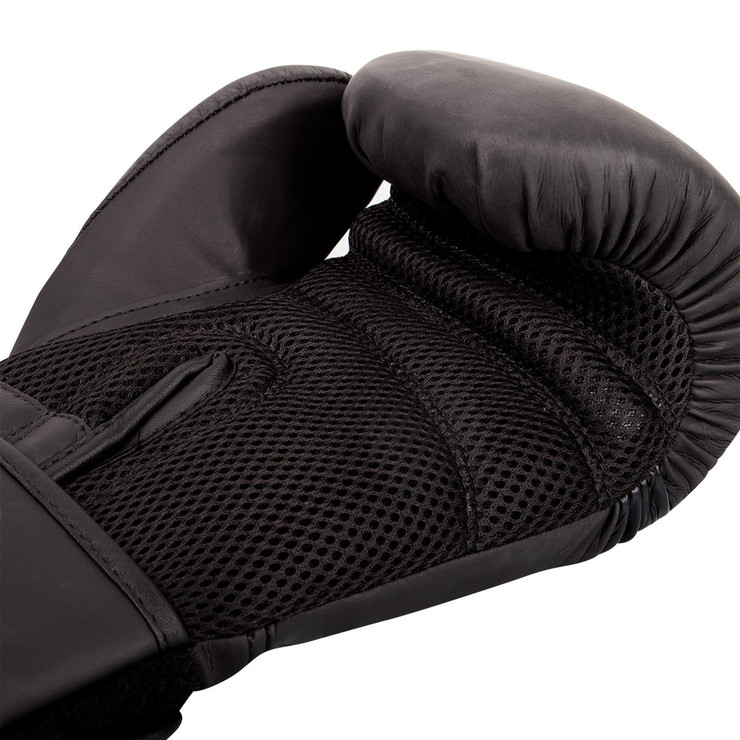 Ringhorns Charger Boxing Gloves Black/Black