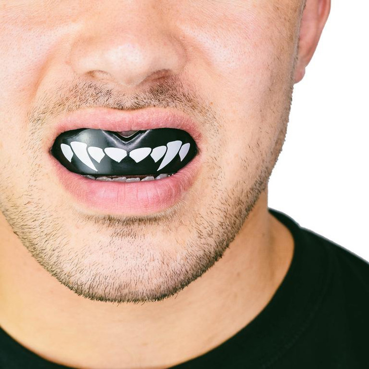 SafeJawz Extro Fangs Mouth Guard