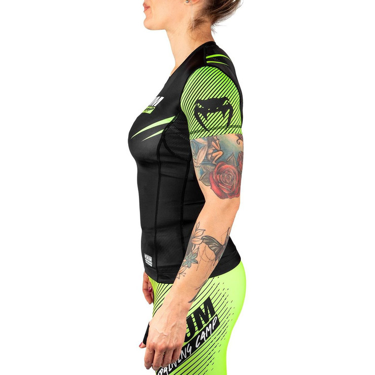 Venum Training Camp 2.0 Ladies Short Sleeved Rash Guard